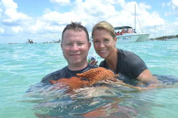 Remember to have the starfish out of the water for no more than 3 seconds. , erinwbeane - July 2017