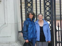 Emma and June in front of Buckingham Gates , Jimmy T - October 2011
