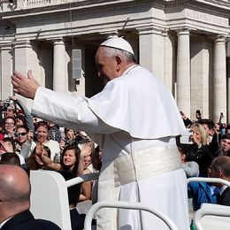 This photo is only slightly cropped, we were right on barricade that Pope passes through. , Marie D - March 2015