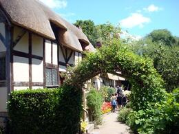 in the gorgeous vintage village of Stratford Upon-Avon (Will Shakespeare's Wife) - July 2008