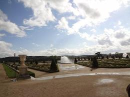 beautiful sunny day in the Palace of Versaille gardens , Latifah M - June 2012
