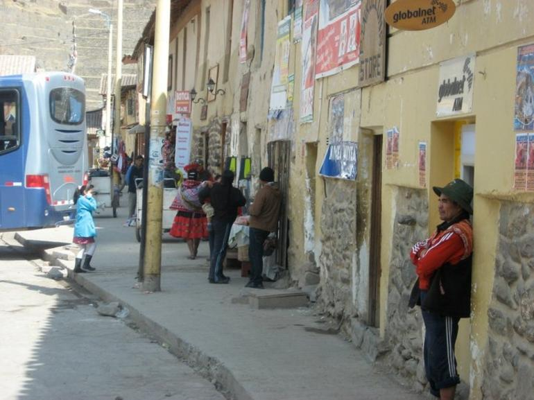 People in Ollantaytambo - Cusco