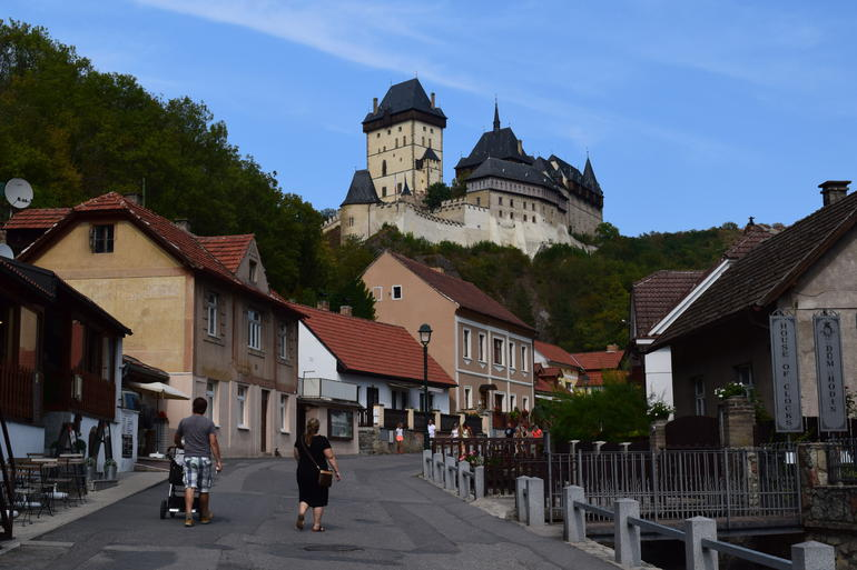 Small-Group Karlštejn Castle and Koneprusy Caves Tour