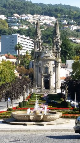 Guimarães , Maria Ilydia N - October 2015