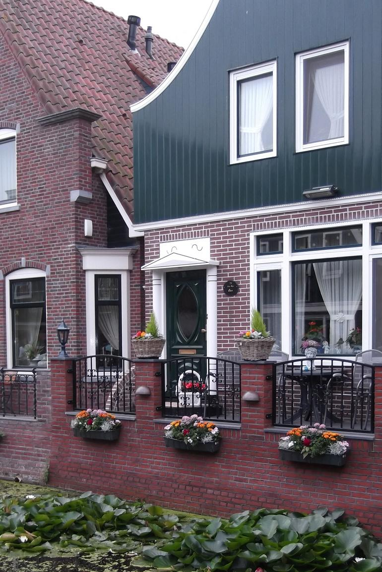 one of the lovely houses of marken - Amsterdam