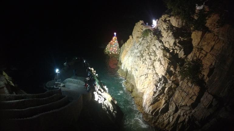 Half-Day Dinner and Cliff Divers Show of La Quebrada in Acapulco photo 19