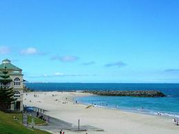 The turquoise water at Cottesloe Beach is stunning. Such a pretty beach. , Leah - March 2011