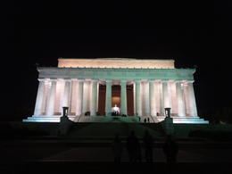 Got to spend some time walking around the Lincoln Memorial. Amazing spot! , jenzu2417 - November 2014
