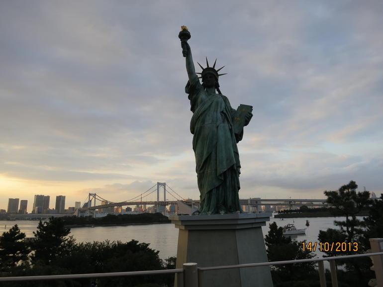 Replica Statue of Liberty in Odaiba - Tokyo