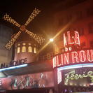 Dinner and Show at the Moulin Rouge with Hotel Pickup, Paris, FRANCIA