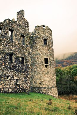 One of the many castles we saw along the way. There was ample time to take photos and explore without feeling rushed. , typeAtrips - October 2015