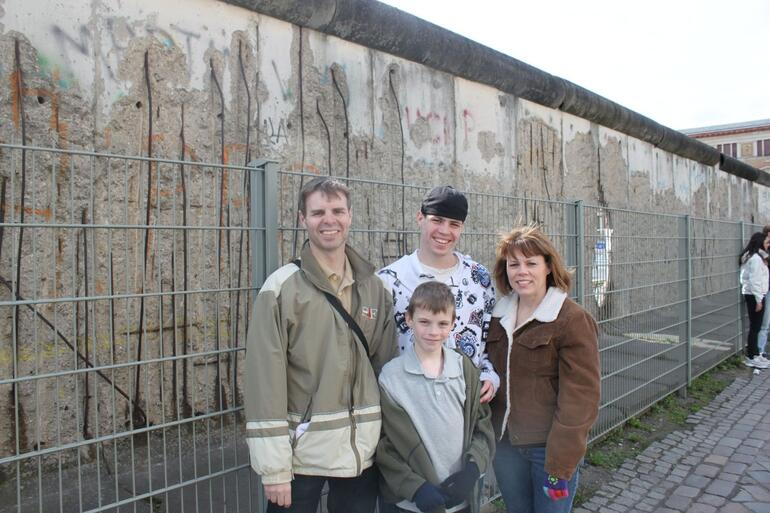 Family shot at the wall - Berlin
