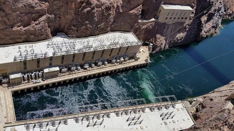 Hoover dam tour with lake mead cruise las vegas viator for Hoover dam motor coach tour