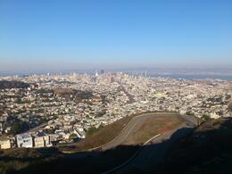 Uppe på toppen var det en otrolig utsikt över hela San Fransisco , Maria E - November 2013