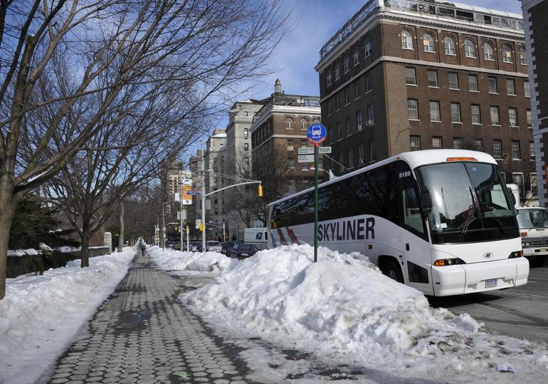 Gossip Girl Tour Bus - New York City