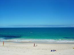 Amazing that this is a city beach right in the middle of Perth. It's so idyllic. , Leah - March 2011