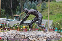 Statue of a miner outside the cathedral., Bandit - September 2012