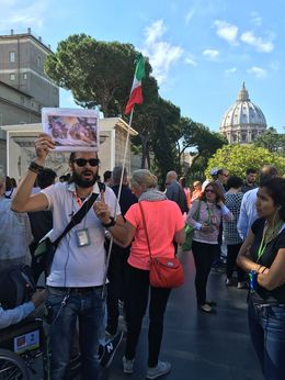 Oscar was our Vatican tour guide and did an excellent job! , Monica H - June 2016
