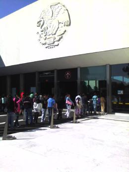 Waiting to get in to the Anthropology Museum. , Thao E - November 2012