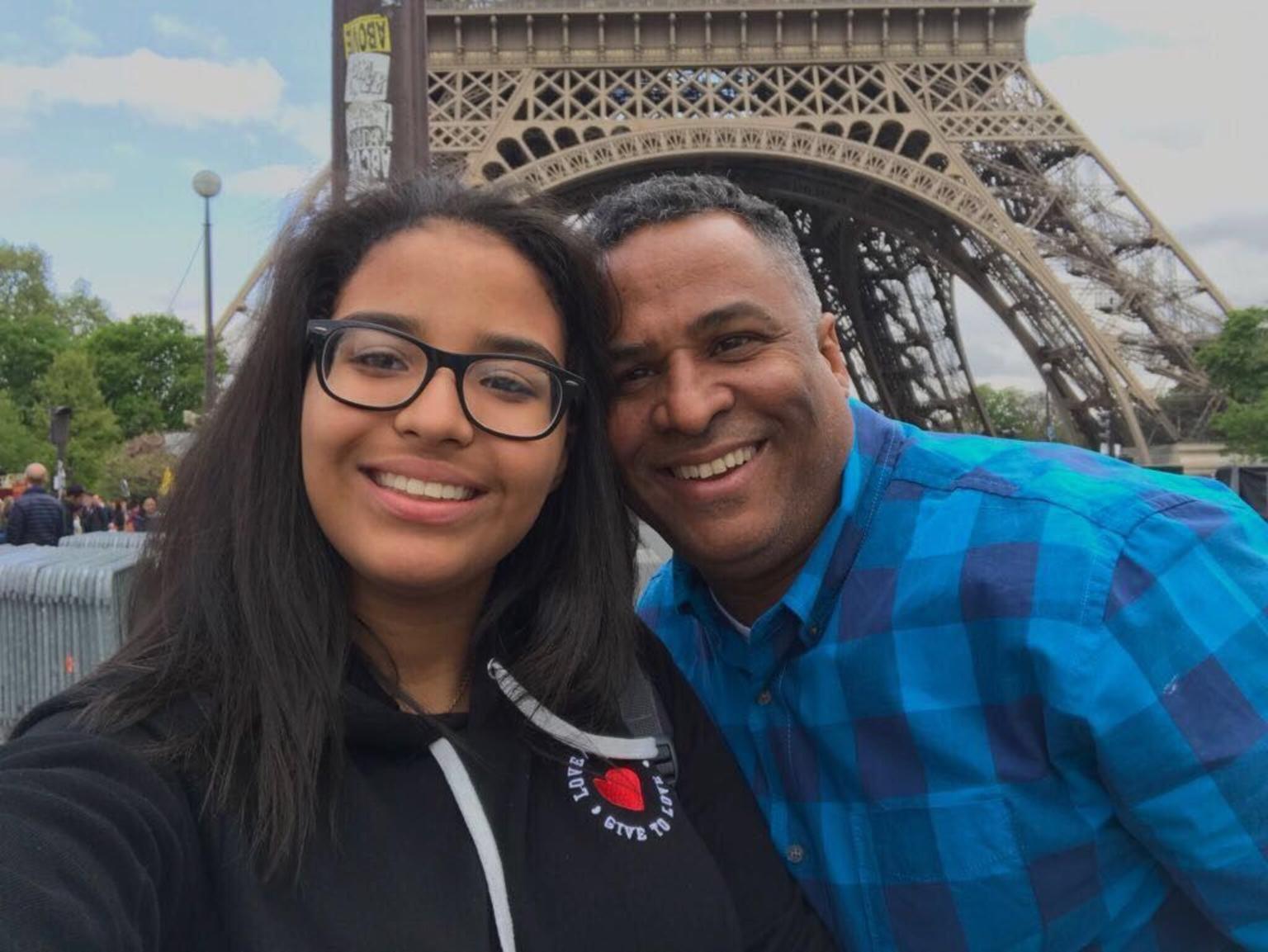 MÁS FOTOS, Recorrido con paradas libres en París