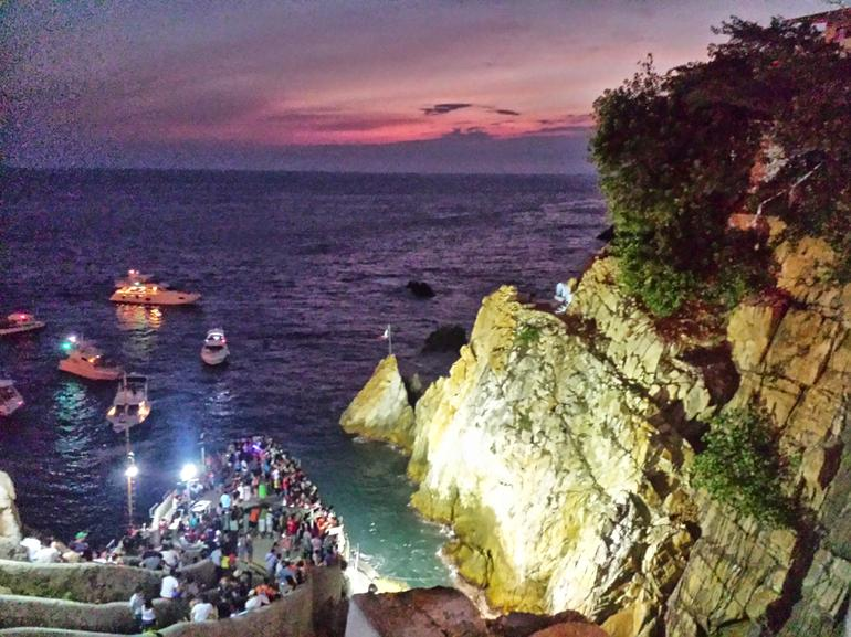 Half-Day Dinner and Cliff Divers Show of La Quebrada in Acapulco photo 15