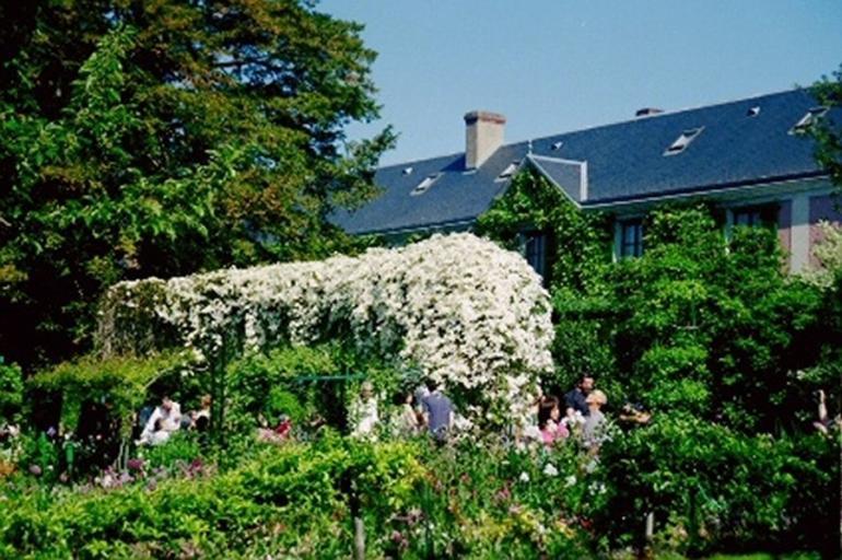 Giverny and Monet's Garden - Paris