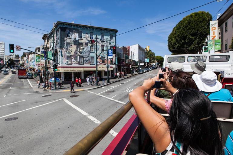 San Francisco Hop-on Hop-off Tour - San Francisco