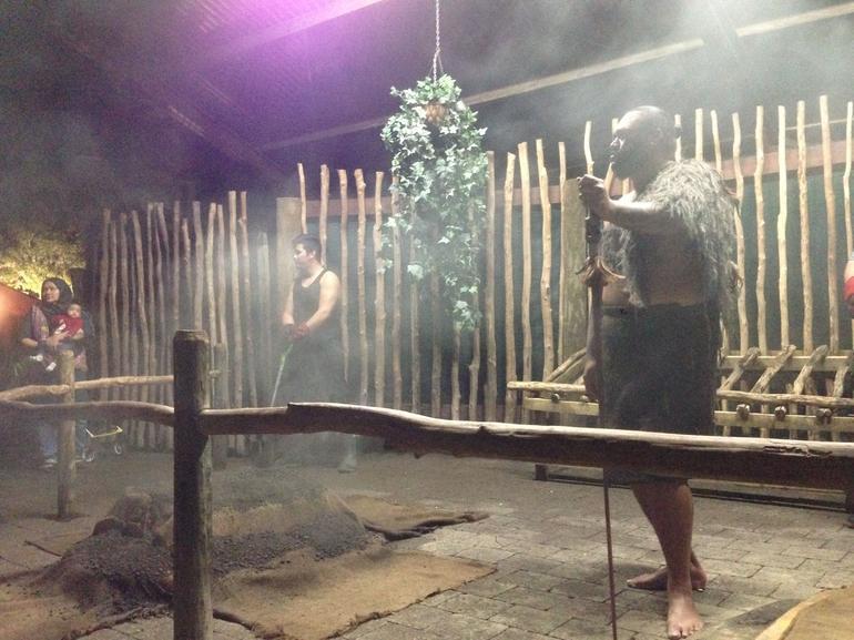 le hangi - Rotorua