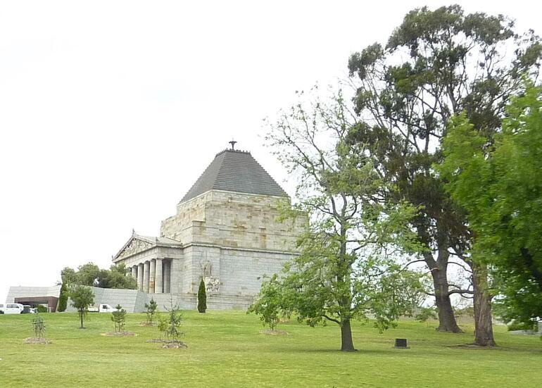 MEL003 - Melbourne