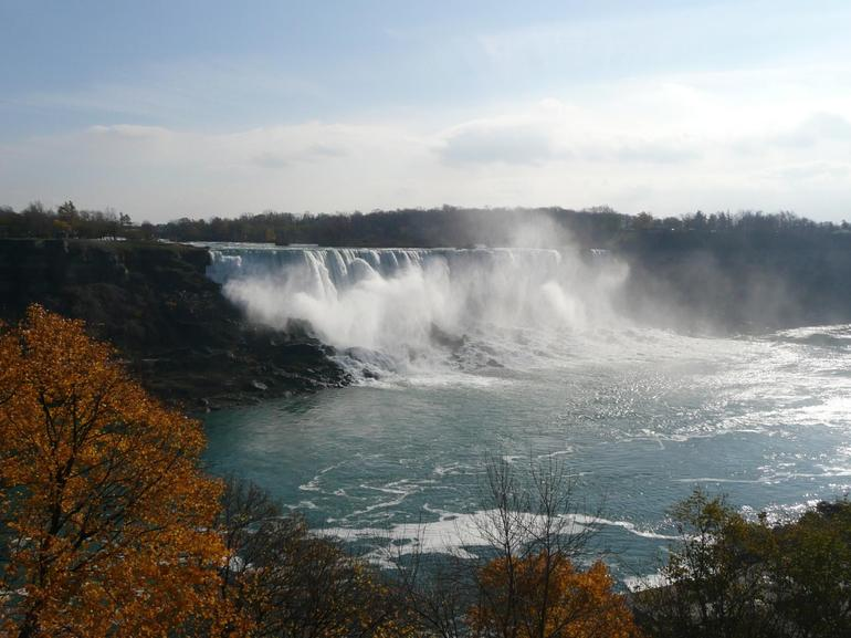 Overview of Niagara Falls - New York City
