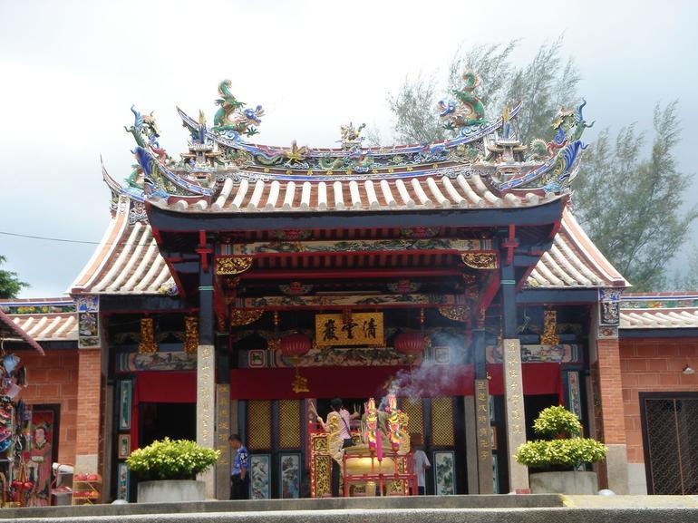 Snake Temple (Penang) - Penang