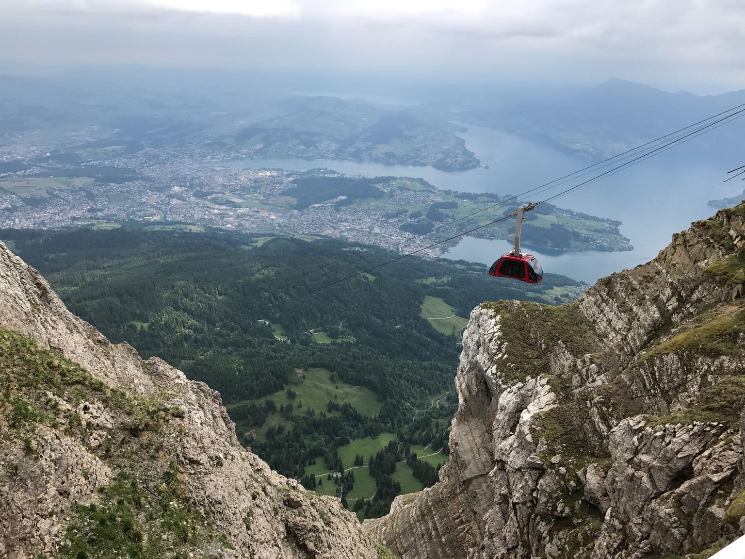 MÁS FOTOS, Viaje de ida y vuelta categoría oro con crucero por el lago hasta Monte Pilatus desde Lucerna