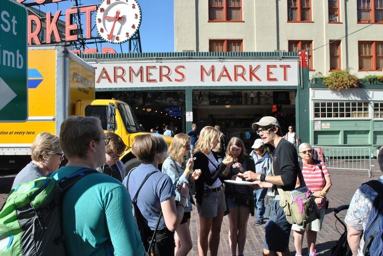 Exclusive: Early-Access Food Tour of Pike Place Market photo 9