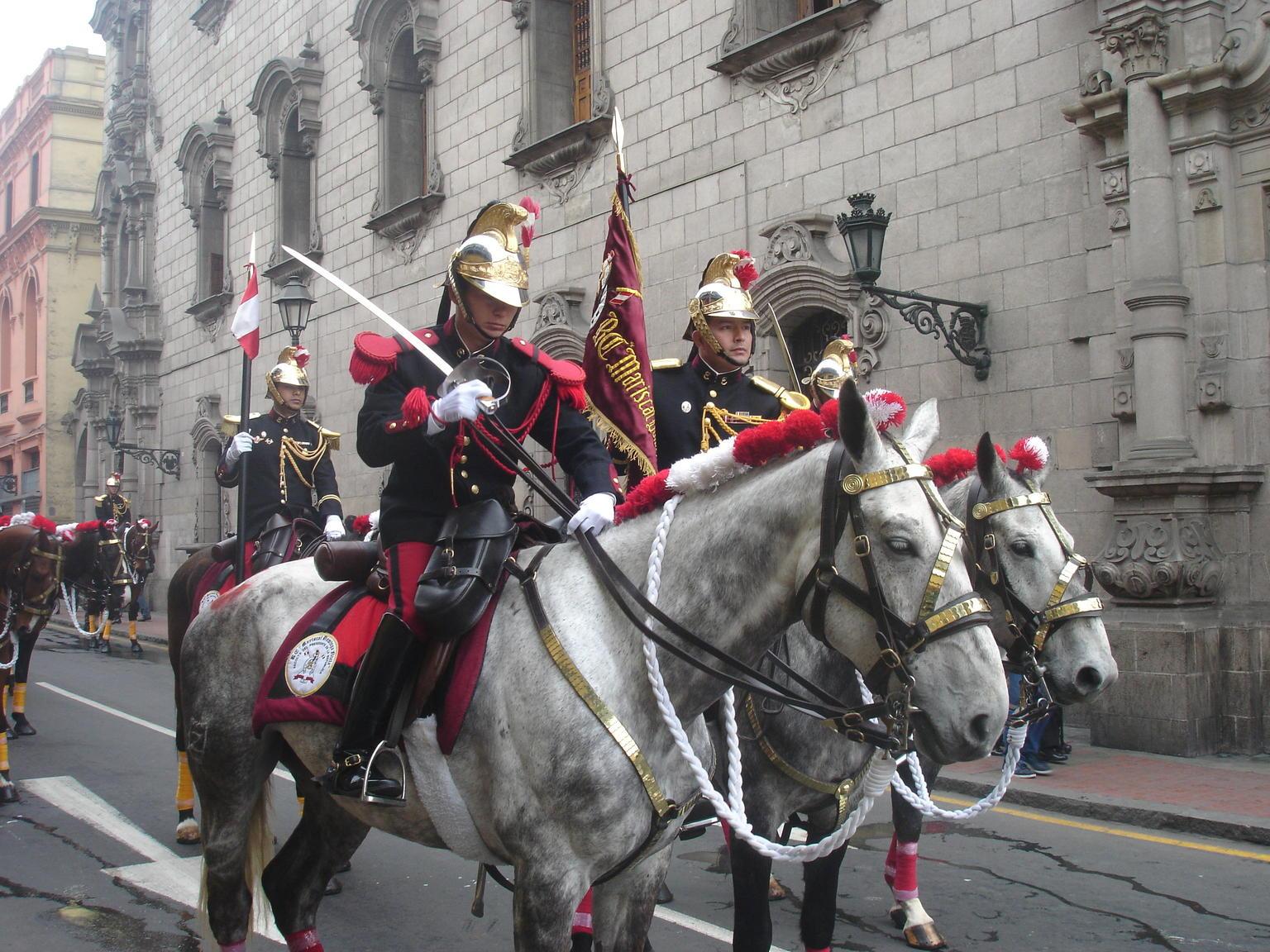 MORE PHOTOS, City Sightseeing tour bus tour through the city of Lima