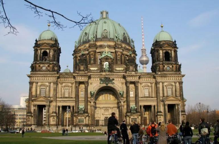 Berlin City Morning Bike Tour - Berlin