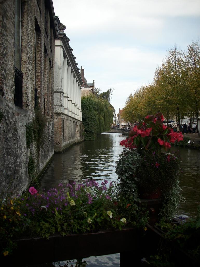 Canal in Brugge - Amsterdam