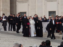 After the Audience Presentation the Pope walked almost right past us. , jimm - November 2017