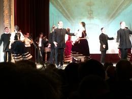 Folklore show met daarna rondvaart op de Donau met buffet-diner. , Henk K - October 2014