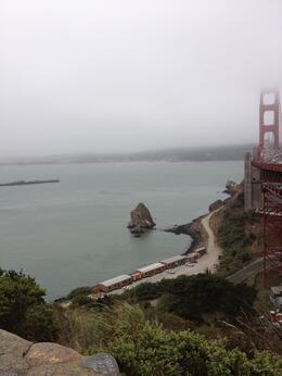 Man skal være opmærksom på, at vejret i SF ofte er lidt skiftende, og det er ikke sjældent, at der er dis over byen. Så husk at få trøjen med. , Jan S - August 2013