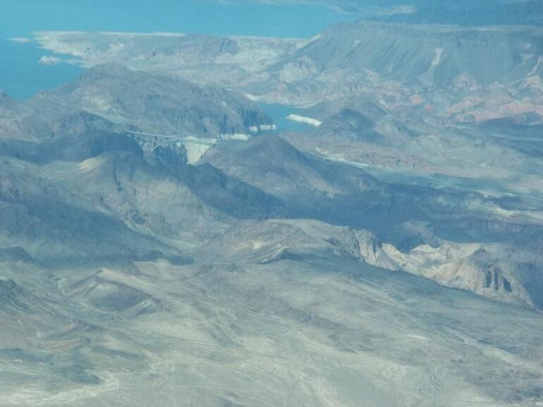 Flying over the Hoover Dam - Las Vegas