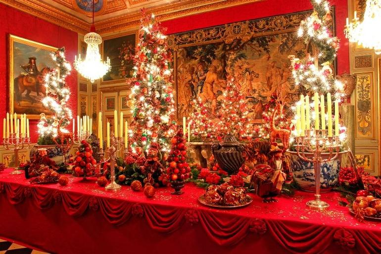 Pretty Christmas table setting - Paris