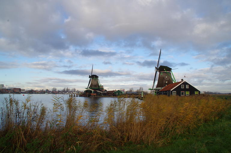 Small Group Zaanse Schans Windmills, Volendam and Old Villages Tour from Amsterdam Including Dutch Schnapps Tasting photo 20
