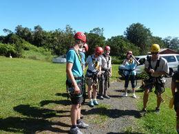 6er Gruppe vor Instruktion auf Seilrutsche mit 7 Abschnitten , Bruno M - October 2015