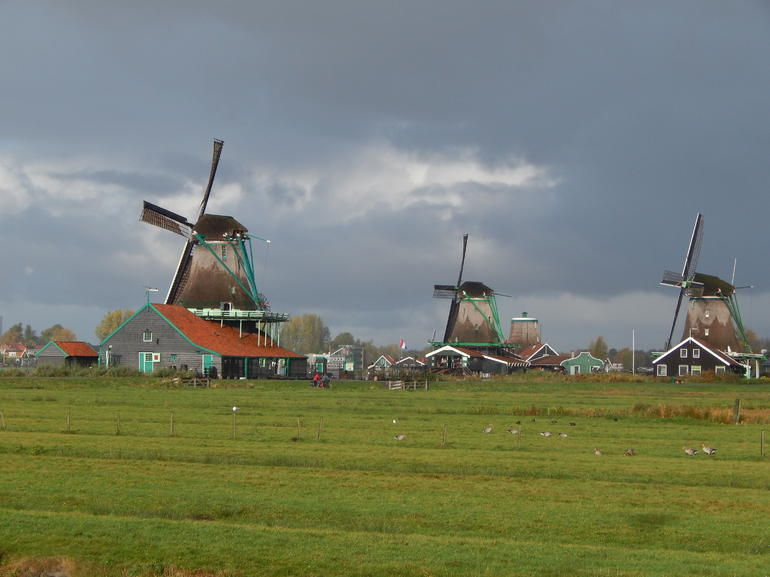 Small Group Zaanse Schans Windmills, Volendam and Old Villages Tour from Amsterdam Including Dutch Schnapps Tasting photo 3
