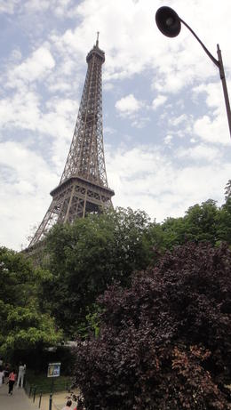 A great view of the Eoffel Tower from the bus., Travel Mom - July 2011
