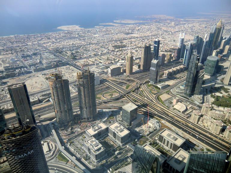 Dubai Tour Including Entrance to Burj Khalifa 124th Floor from Abu Dhabi
