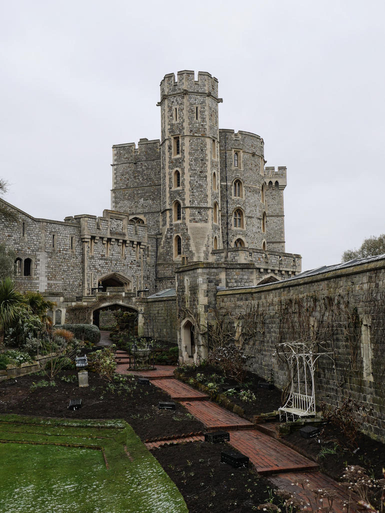 Windsor Castle Tour from London with Lunch photo 13