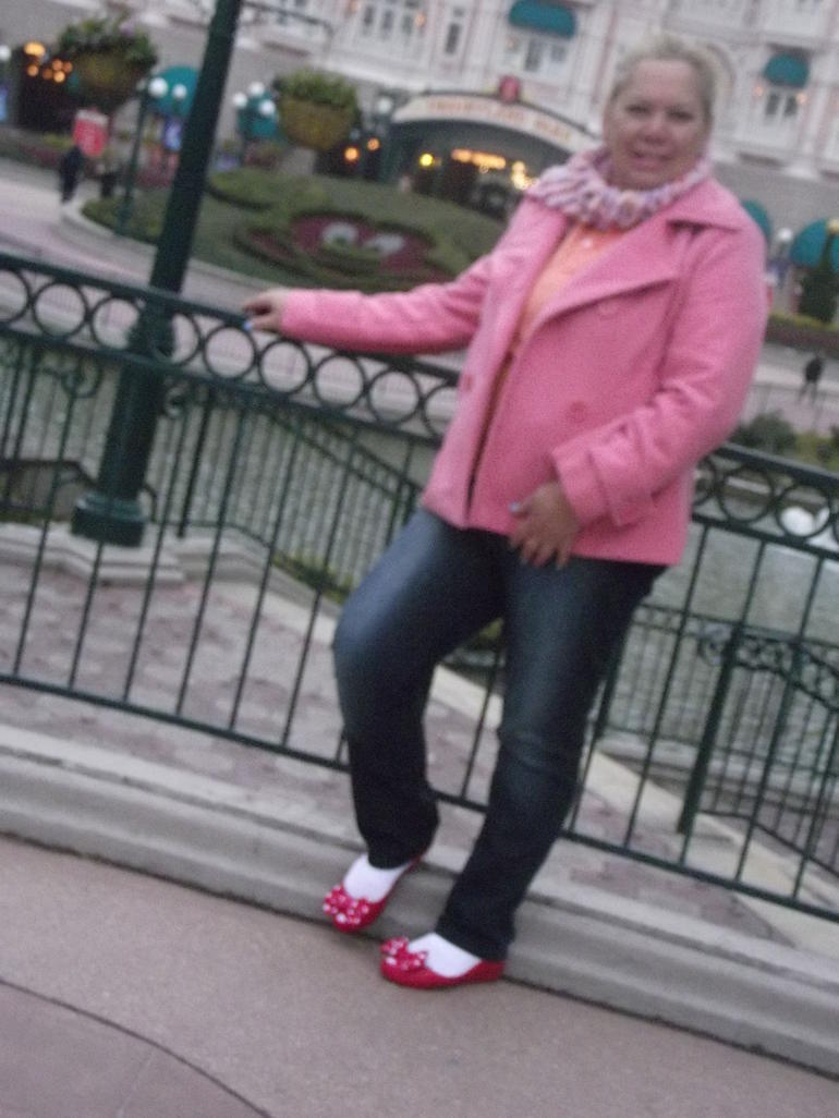 EU NO PARQUE DA DISNEY. - Paris