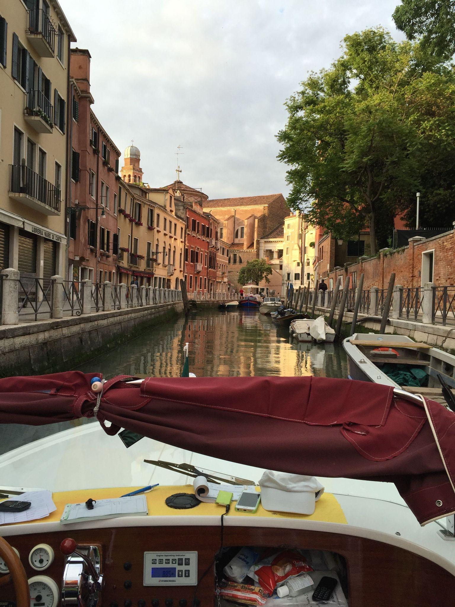 MAIS FOTOS, Traslado de partida e transferência do Aeroporto Marco Polo de Veneza