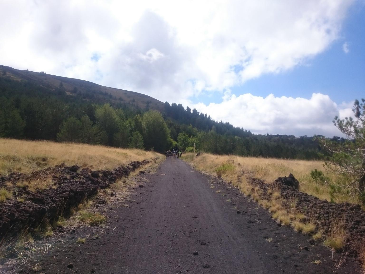 MÁS FOTOS, 5-Hour Mount Etna Mountain Biking Private Tour from Catania
